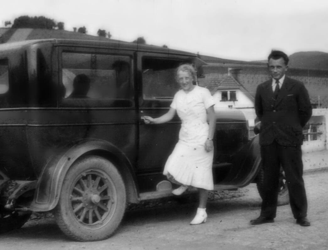 1937 babička a tatínek božena a jan bednařík - bonnie a clyde-orez, blur a clear